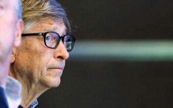 Μπιλ Γκέιτς: Η «κούκλα βουντού» των συνωμοσιολόγων στο Ίντερνετ