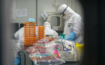 Καθηγήτρια μικροβιολογίας περιγράφει τη μέρα που επιβεβαίωσε το πρώτο κρούσμα κορονοϊού στην Ελλάδα