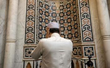 Κλειστά τα τεμένη στην Αίγυπτο έως τη λήξη του Ραμαζανιού