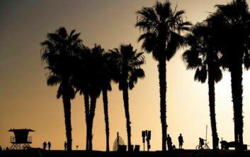 Η Καλιφόρνια χαλαρώνει τα μέτρα λόγω κορονοϊού από την Παρασκευή - Ανοίγουν καταστήματα