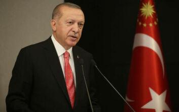 Φίδια ζώνουν τον Ερντογάν - Ο κορονοϊός αύξησε τη δημοτικότητα των δημάρχων της αντιπολίτευσης