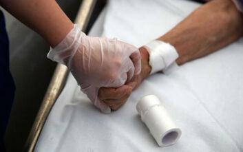 Τσιόδρας: Τέσσερις θάνατοι και δυο νέα κρούσματα κορονοϊού στην Ελλάδα σήμερα