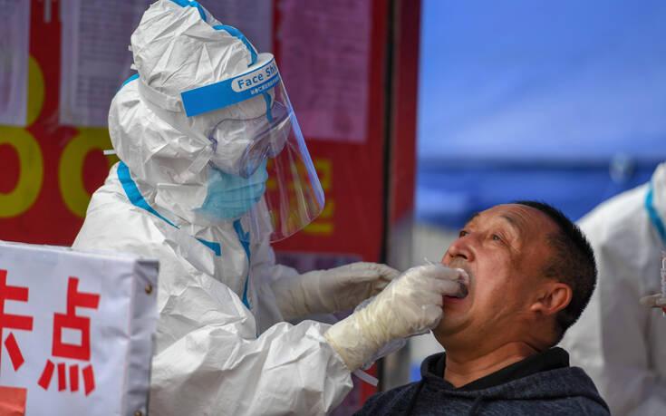 Κέντρο Πρόληψης και Ελέγχου Νοσημάτων: Το κλείσιμο των συνόρων και τα τεστ πριν τα ταξίδια δεν βοηθούν πολύ