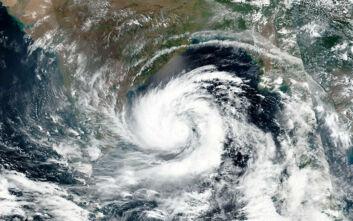 Ο σούπερ κυκλώνας Αμφάν έτοιμος να «χτυπήσει» Ινδία και Μπανγκλαντές
