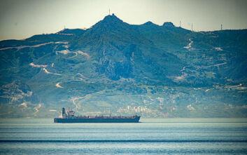 «Έπιασε» Καράκας το πρώτο από τα πέντε πετρελαιοφόρα με καύσιμα που στέλνει το Ιράν