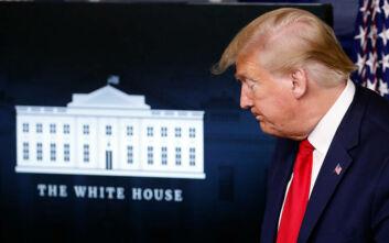 Ο Τραμπ τελικά φοράει μάσκα: Φωτογραφίες του Αμερικανού προέδρου με προστασία για πρώτη φορά δημοσίως