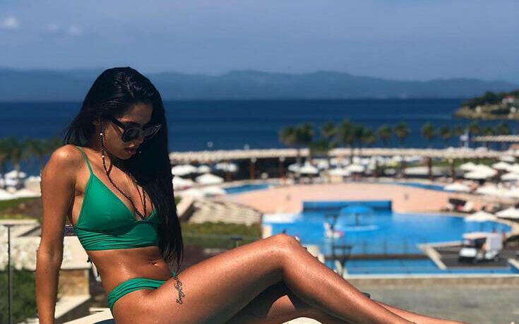 Στέλλα Πάσσαρη: Το κορίτσι του My Style Rocks στις καλύτερες πόζες με μαγιό