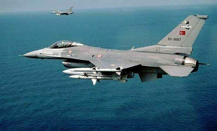 Τουρκικά F-16 πέταξαν πάνω από Οινούσες και Χίο