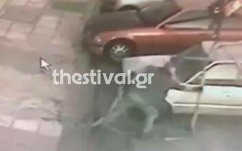 Βίντεο ντοκουμέντο: Πώς έκλεβε αυτοκίνητα δημοτικός υπάλληλος στη Θεσσαλονίκη