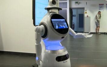 Ρομπότ στο Βέλγιο που μιλούν 53 γλώσσες επιστρατεύτηκαν για τον κορονοϊό