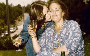 Ντόρα Μπακογιάννη: Η συγκινητική ανάρτηση για την επέτειο του θανάτου της μητέρας της, Μαρίκας Μητσοτάκη