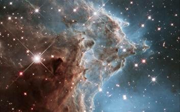 Το τηλεσκόπιο Hubble κλείνει τα 30: Φωτογραφίες του γαλαξία που κόβουν την ανάσα