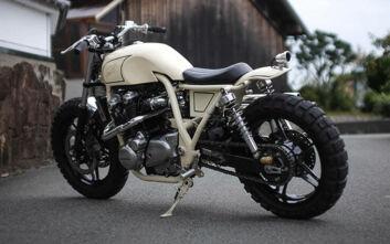 Αγνώριστη έγινε η Honda CB1100 στα χέρια της Cowboy's Choppers