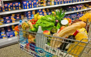 Ο κορονοϊός αύξησε εντυπωσιακά τον τζίρο στο λιανεμπόριο τροφίμων