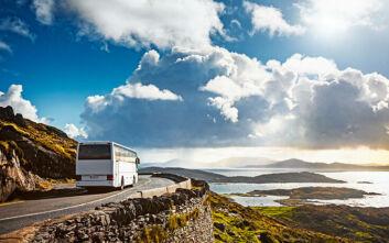 Πόρος: Μεθυσμένοι τουρίστες παραβίασαν λεωφορείο και έκαναν βόλτες με αυτό γυμνοί