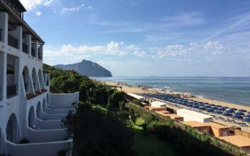 Η Ιταλία και η «μάχη της παραλίας»: Στον αέρα τα καλοκαιρινά μπάνια, οι επαγγελματίες αγωνιούν
