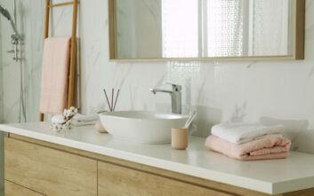 Πώς να κάνετε το μπάνιο σας να λάμπει