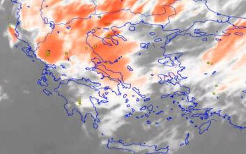 Εντυπωσιακά βίντεο: Οι καταιγίδες από την Πεντέλη και από το διάστημα