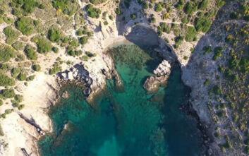 Τρεις παραλίες εντός και εκτός Αττικής που πρέπει να γνωρίζετε