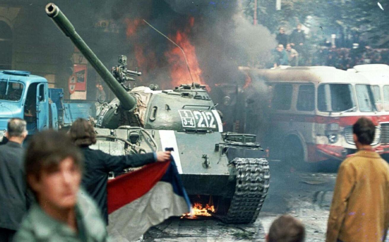 Το Σύμφωνο της Βαρσοβίας που δημιουργήθηκε ως αντίπαλο δέος στο ΝΑΤΟ