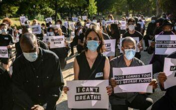 Αντιρατσιστική διαδήλωση έξω από την πρεσβεία των ΗΠΑ στο Παρίσι