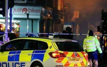 Βρετανία: Συλλήψεις και κατασχέσεις όπλων από εφόδους της αστυνομίας σε παράνομα πάρτι