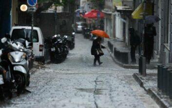 Έκτακτο δελτίο επιδείνωσης καιρού: Βροχές, καταιγίδες και χαλάζι έως και την Τρίτη