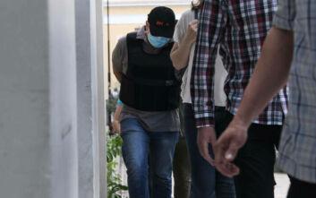 Μαρτυρία μητέρας θύματος του ψευτογιατρού: Μας έλεγε «όχι στο νοσοκομείο» - Η ένεση των 19.800 ευρώ