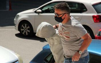 Αρπαγή 10χρονης στη Θεσσαλονίκη: Από την πίσω πόρτα στα Δικαστήρια η 33χρονη κατηγορούμενη