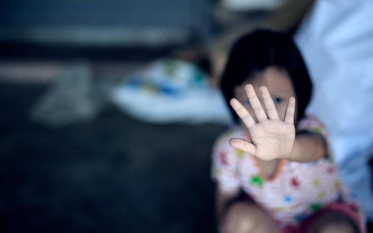 ΕΛΑΣ: Νέες οδηγίες για την προστασία των ανηλίκων από ενδοοικογενειακή βία και σεξουαλική κακοποίηση