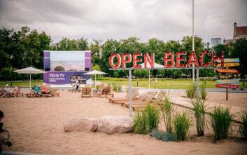 Το Βίλνιους μετέτρεψε την κεντρική του πλατεία σε... παραλία για το φετινό καλοκαίρι