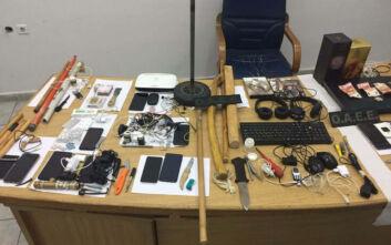 Κορυδαλλός: Ναρκωτικά, κινητά, ρόπαλα, μαχαίρια και σουβλιά στις φυλακές