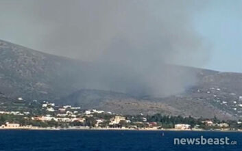 Οι πρώτες εικόνες από τη φωτιά στην Αίγινα