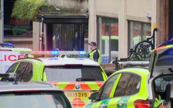 Επίθεση με μαχαίρι στη Γλασκώβη: «Τρεις οι νεκροί», λένε τα βρετανικά Μέσα