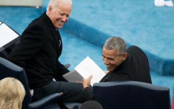 Εμφάνιση Ομπάμα στο πλευρό του Μπάιντεν: «Ό,τι έχετε κάνει μέχρι σήμερα δεν είναι αρκετό»