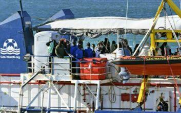 Σκάφος της γερμανικής ΜΚΟ Sea-Watch διέσωσε μετανάστες στη Μεσόγειο