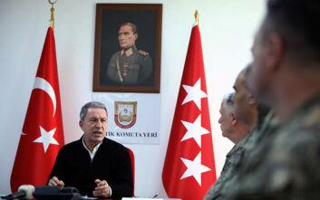 O Ακάρ κατηγορεί τον Χαφτάρ ότι… «εμποδίζει την ειρήνευση στη Λιβύη»