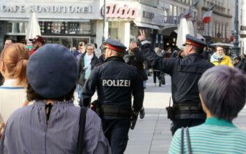 Αστυνομικοί έκοψαν πρόστιμο 500 ευρώ σε πολίτη γιατί... αερίστηκε με δύναμη