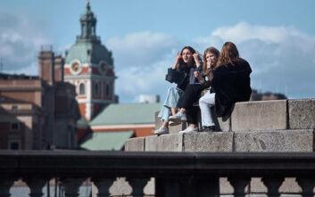 Μόλις το 6,1% των Σουηδών έχει αντισώματα στον κορονοϊό παρά την ανοσία της αγέλης