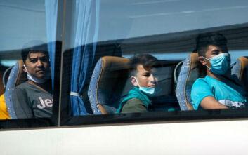 Υπ. Μετανάστευσης και Ασύλου: Μείωση του κόστους φιλοξενίας και διαφάνεια στις ΜΚΟ