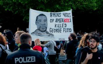 Πέρασε από τη Βουλή των Αντιπροσώπων το νομοσχέδιο «Τζορτζ Φλόιντ» για τη μεταρρύθμιση της Αστυνομίας