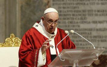 Μετά την πανδημία, ο Πάπας Φραγκίσκος καλεί την ανθρωπότητα να απλώσει το χέρι στους φτωχούς