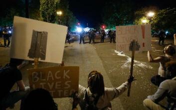 George Floyd: Δακρυγόνα μπροστά στον Λευκό Οίκο