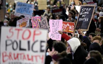 Έρευνα στην Αυστραλία για βίαιες συλλήψεις διαδηλωτή και δημοσιογράφου στις πορείες για τον Τζορτζ Φλόιντ