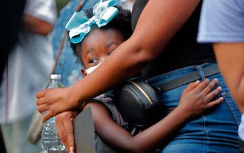 Τζορτζ Φλόιντ: «Θραύση» κάνουν τα βιβλία για τις φυλετικές διακρίσεις