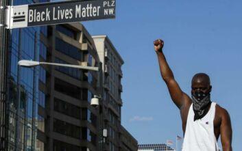 Πέντε δρόμοι της Νέας Υόρκης μετονομάζονται σε «Black Lives Matter»
