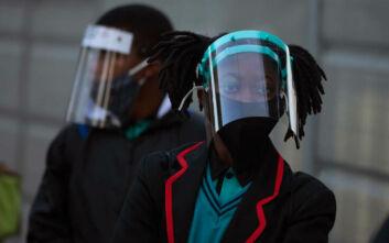 Ο κορονοϊός «θερίζει» τους γιατρούς και στη Ν. Αφρικη με πάνω από 13.000  κρούσματα