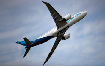 Γαλλία: Κινδυνεύουν να χαθούν άμεσα 100.000 θέσεις εργασίας στην αεροπορική βιομηχανία