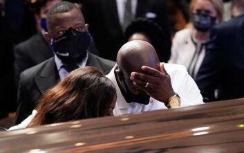Δάκρυα και συγκλονιστικές εικόνες στην κηδεία του Τζορτζ Φλόιντ
