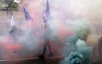 Αστυνομικοί διαδηλώνουν στο Παρίσι: Διαφωνούν με την απαγόρευση της λαβής στον λαιμό